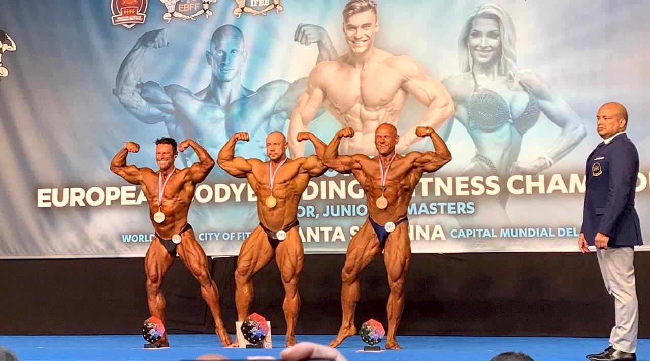 1 место - Алексей Тронов, 2 место - Андрей Морозов, 3 место - Андрей Попов, Санта-Сусана чемпионат Европы 2019 года по бодибилдингу и фитнесу