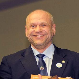 Андрей Попов