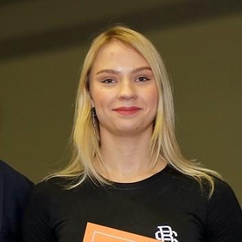 Яна Семенова